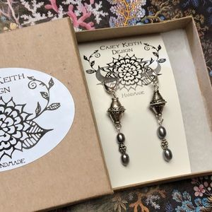 Casey Keith Design Jewelry - Greyblue pearl and nugget Leverback earrings